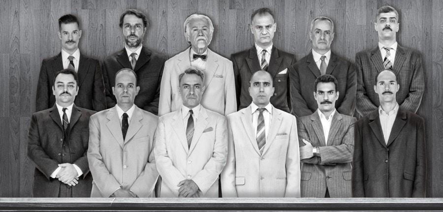 12 ένορκοι