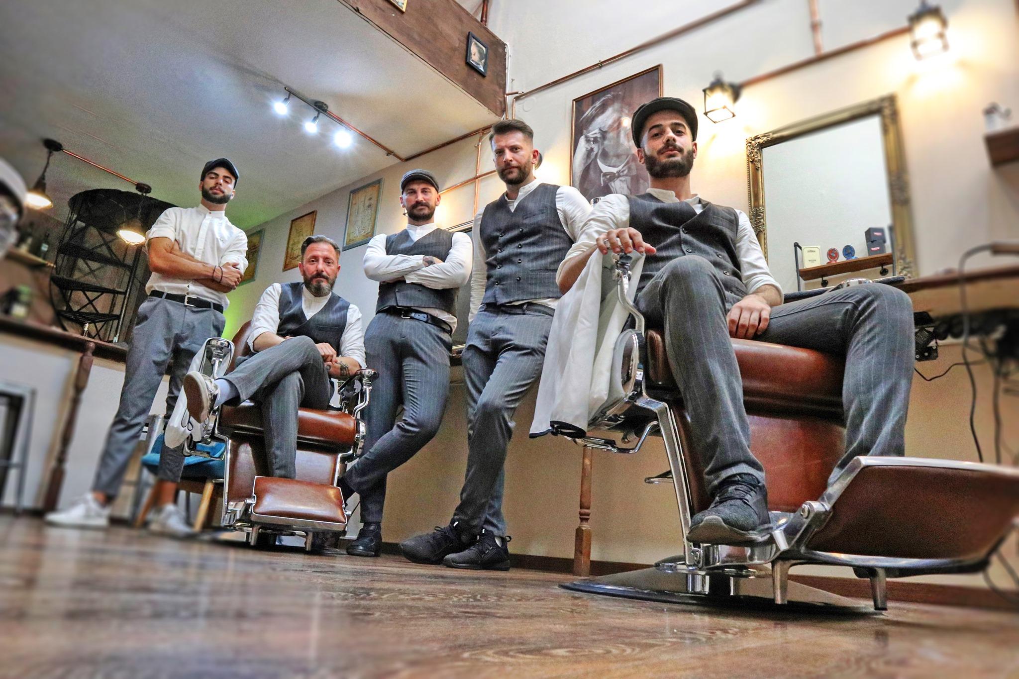 Peaky Barbers Barber μπαρμπεράδικα barbershop κουρείο μπαρμπέρικο