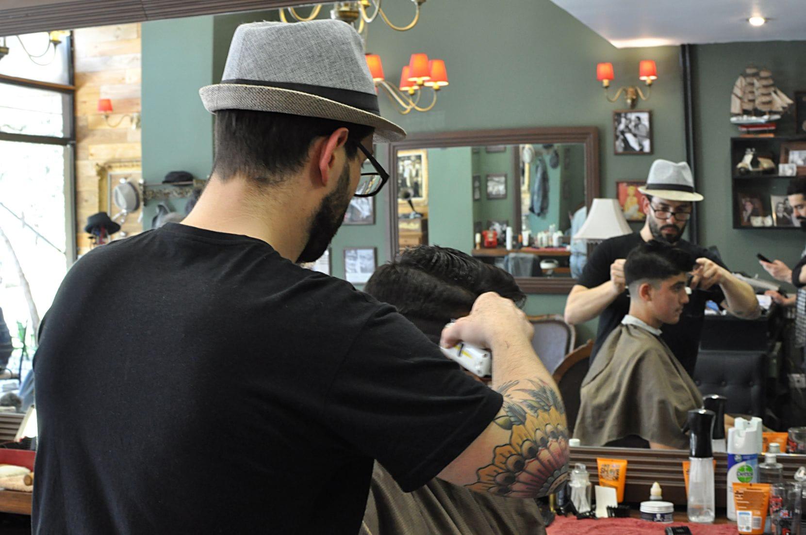 The Barber Man Barber μπαρμπεράδικα barbershop κουρείο μπαρμπέρικο